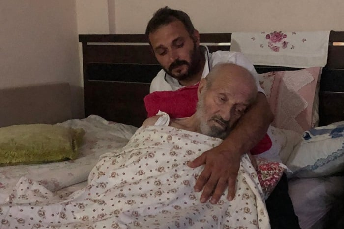 Yakup Şimşek'in babası Temel Şimşek, ağır hasta. Tek dileği evladını görmek…